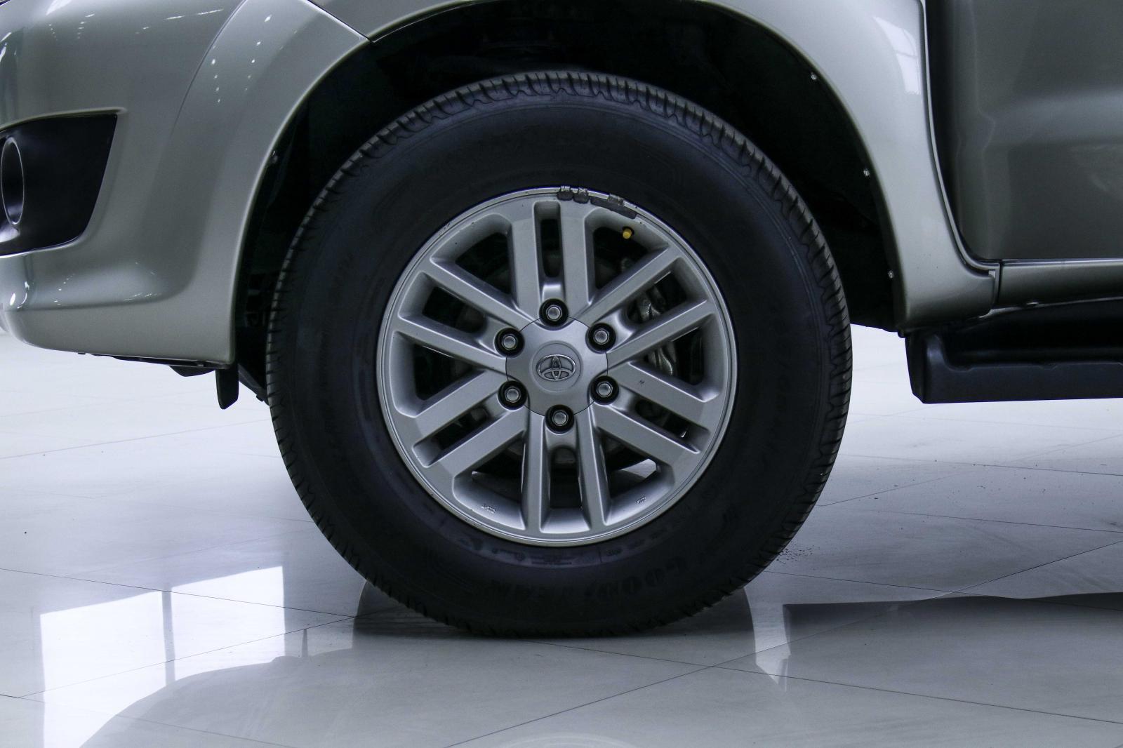 ขายรถ SUV Toyota Fortuner V ปี 2013 รหัส 1D-17