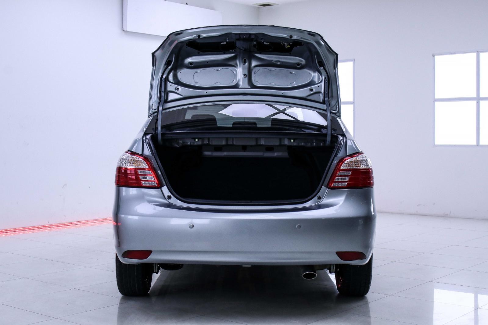 1H-189 ขายรถ Toyota VIOS 1.5J 2013 รถเก๋ง 4 ประตู
