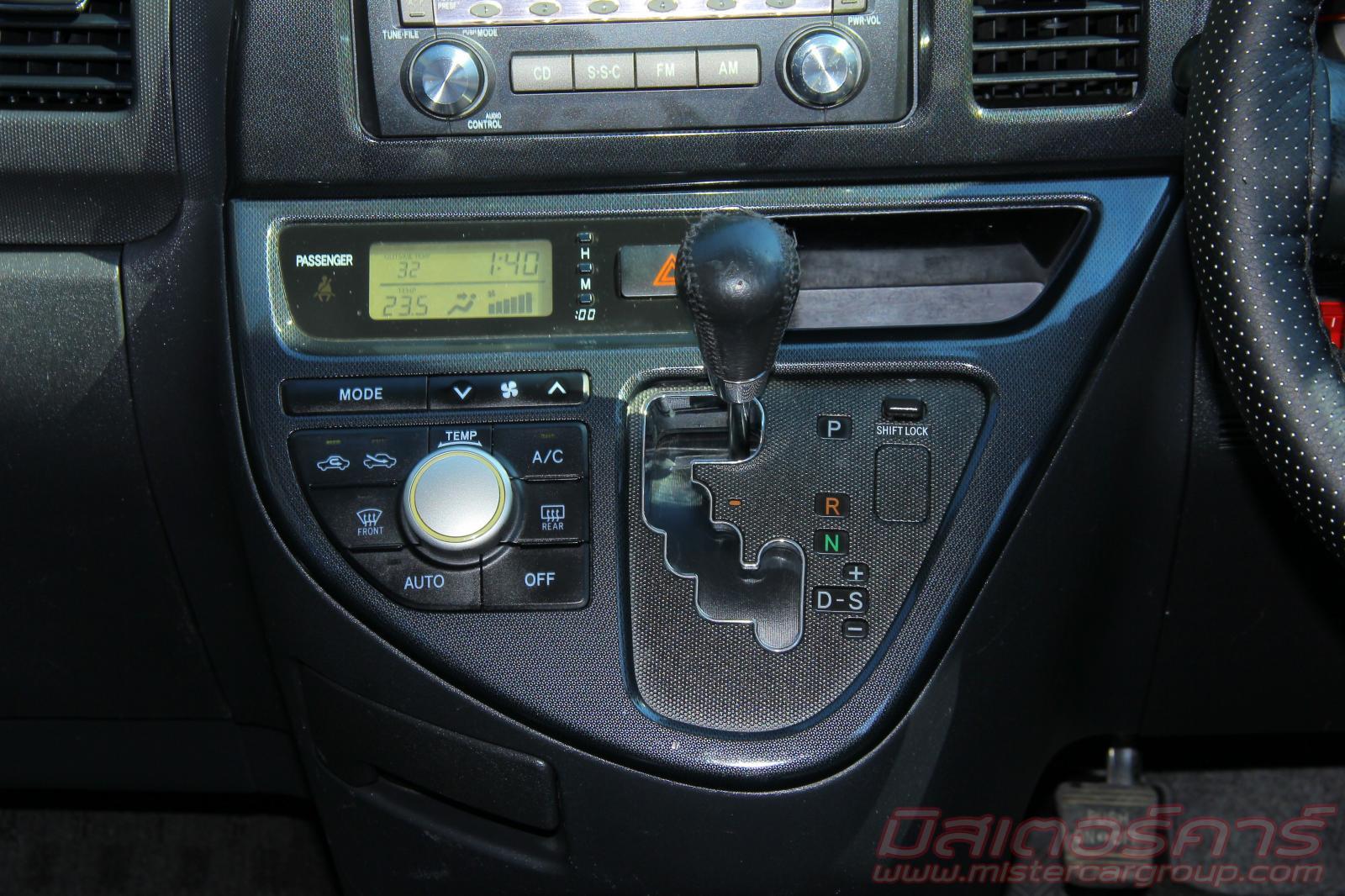 2007 ขายรถ TOYOTA WISH 2.0 Q *ฟรีดาวน์ *ไม่ต้องมีคนค้ำ