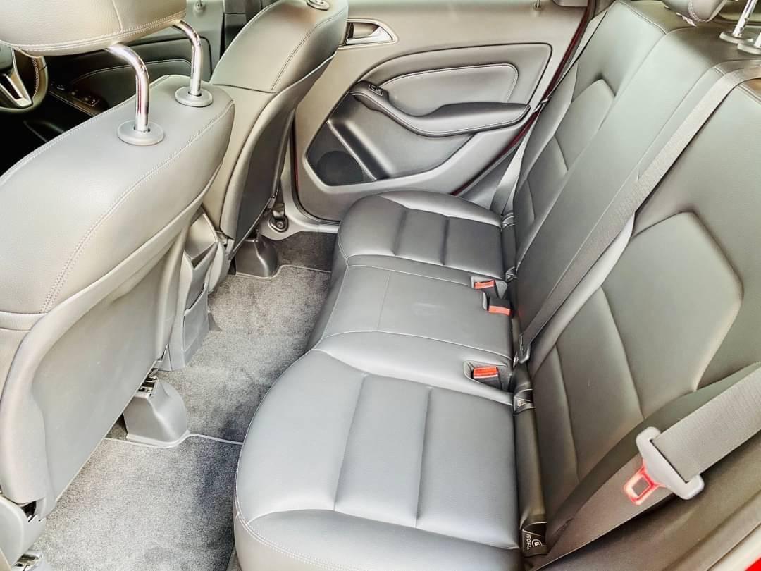 2012 Mercedes-Benz B200 Sports รถเก๋ง 5 ประตู