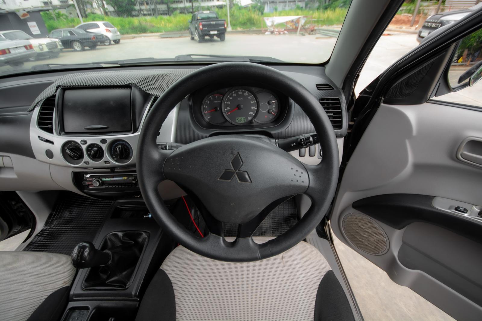 2012 Mitsubishi TRITON DOUBLE CAB GLX รถกระบะ